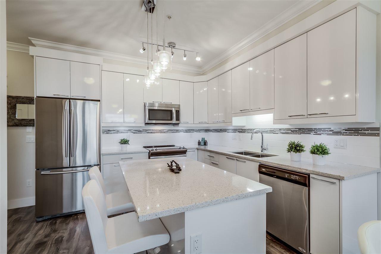 R2010820 - 308 19228 64 AVENUE, Cloverdale BC, Surrey, BC - Apartment Unit