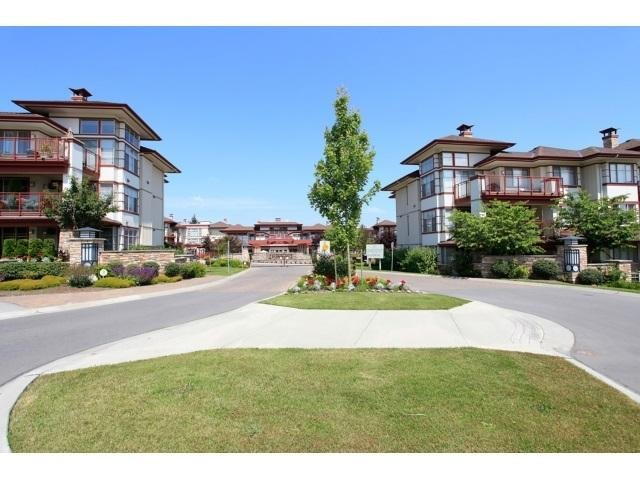 R2021747 - 104 16421 64TH AVENUE, Cloverdale BC, Surrey, BC - Apartment Unit