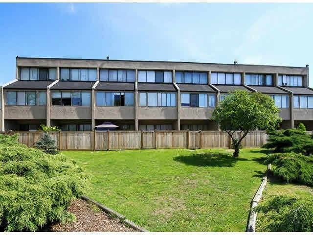 R2023263 - 12 17700 60 AVENUE, Cloverdale BC, Surrey, BC - Townhouse