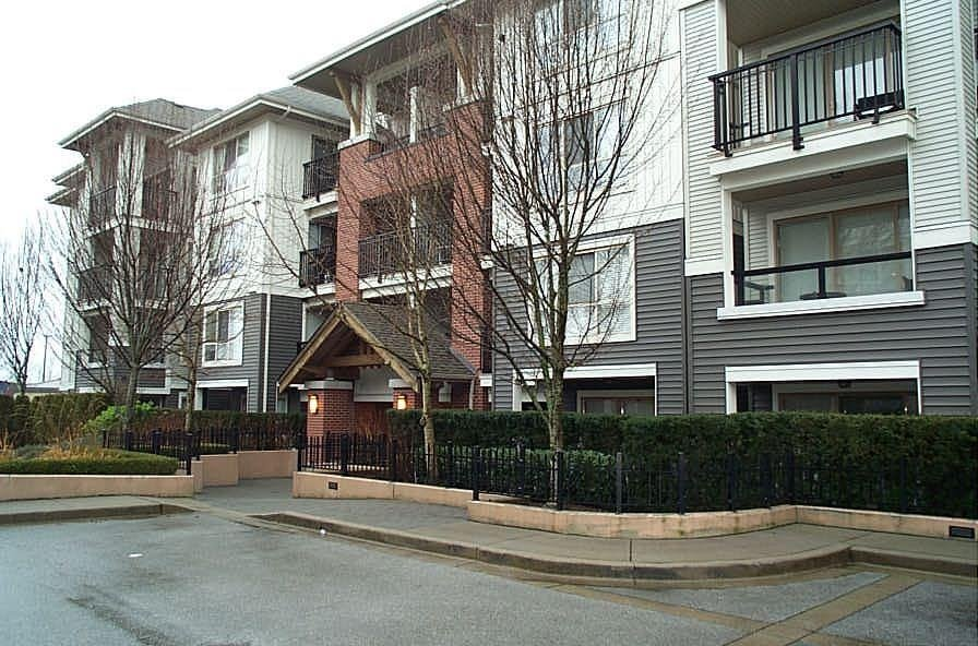 R2027519 - D207 8929 202 STREET, Walnut Grove, Langley, BC - Apartment Unit