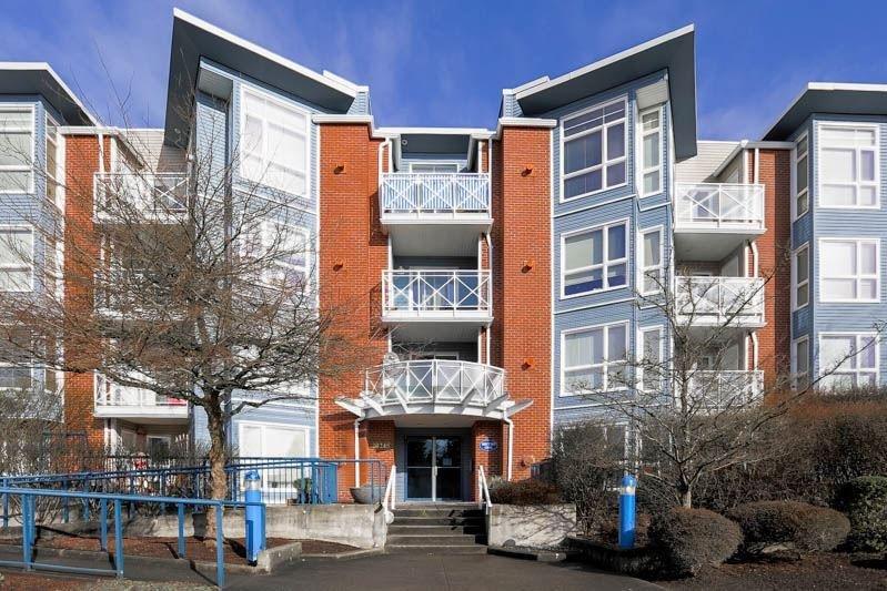 R2037534 - 205 20245 53 AVENUE, Langley City, Langley, BC - Apartment Unit