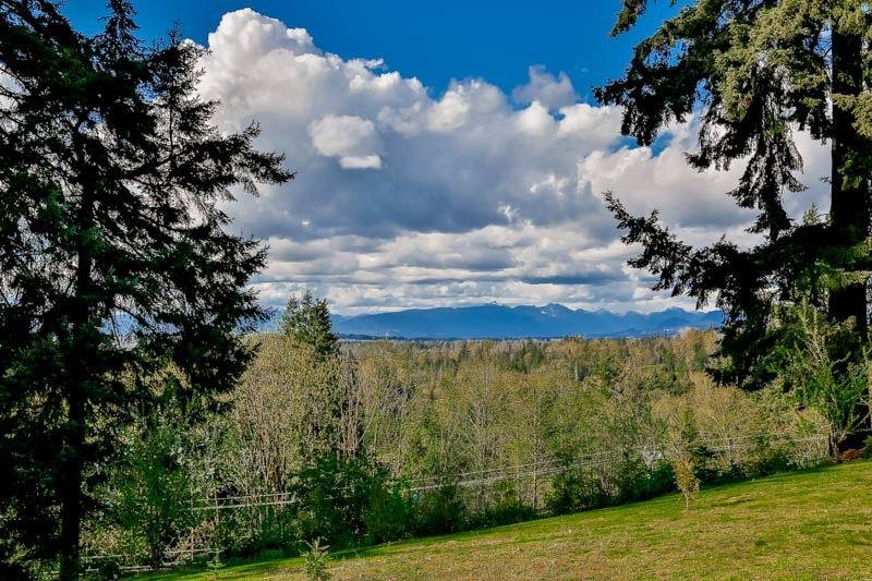 R2054222 - 23709 55B AVENUE, Langley City, Langley, BC - House with Acreage