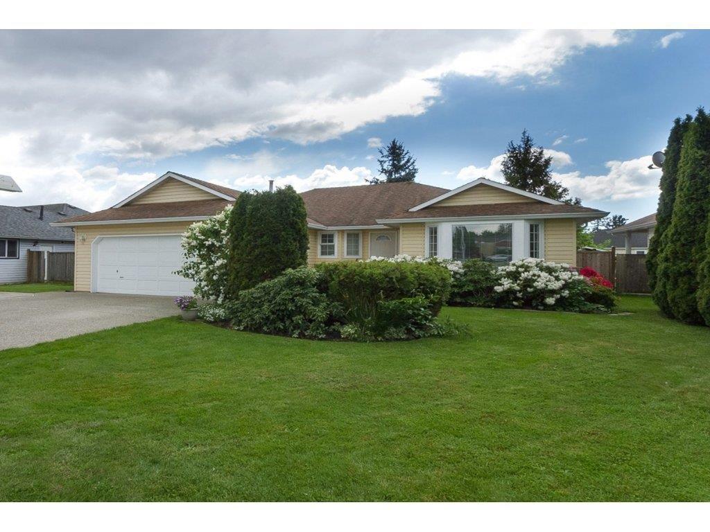 R2060882 - 19238 60 AVENUE, Cloverdale BC, Surrey, BC - House/Single Family