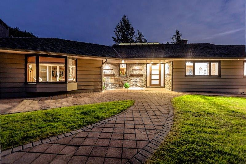 R2062630 - 570 ROBIN HOOD ROAD, British Properties, West Vancouver, BC - House/Single Family