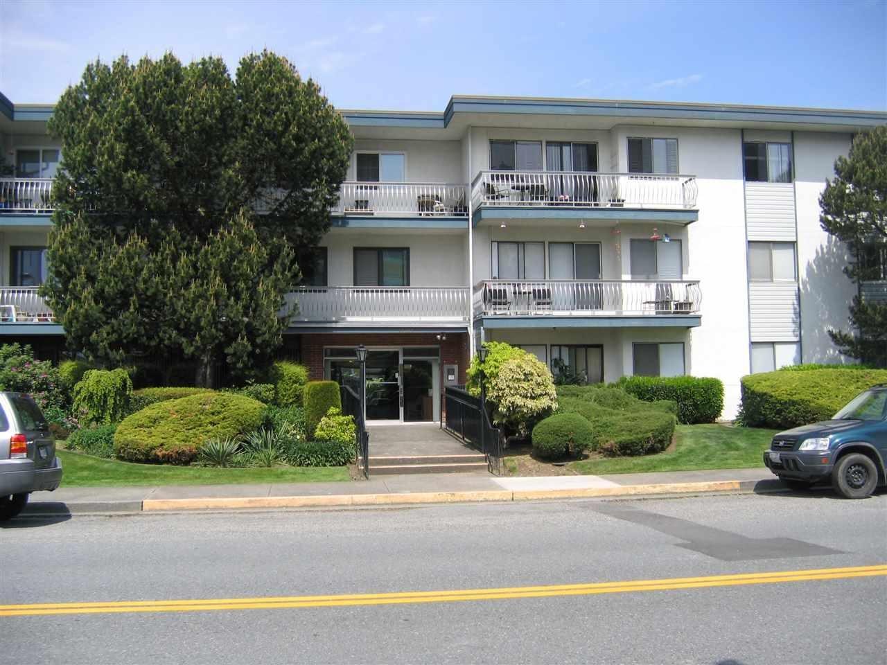 R2064065 - 325 17707 57A AVENUE, Cloverdale BC, Surrey, BC - Apartment Unit