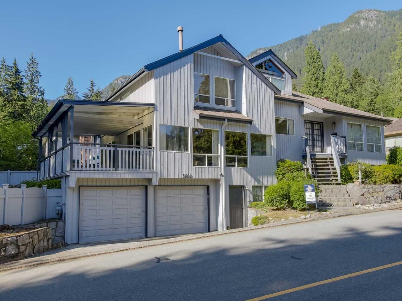 R2066039 - 5602 GROUSEWOODS DRIVE, Grouse Woods, North Vancouver, BC - House/Single Family
