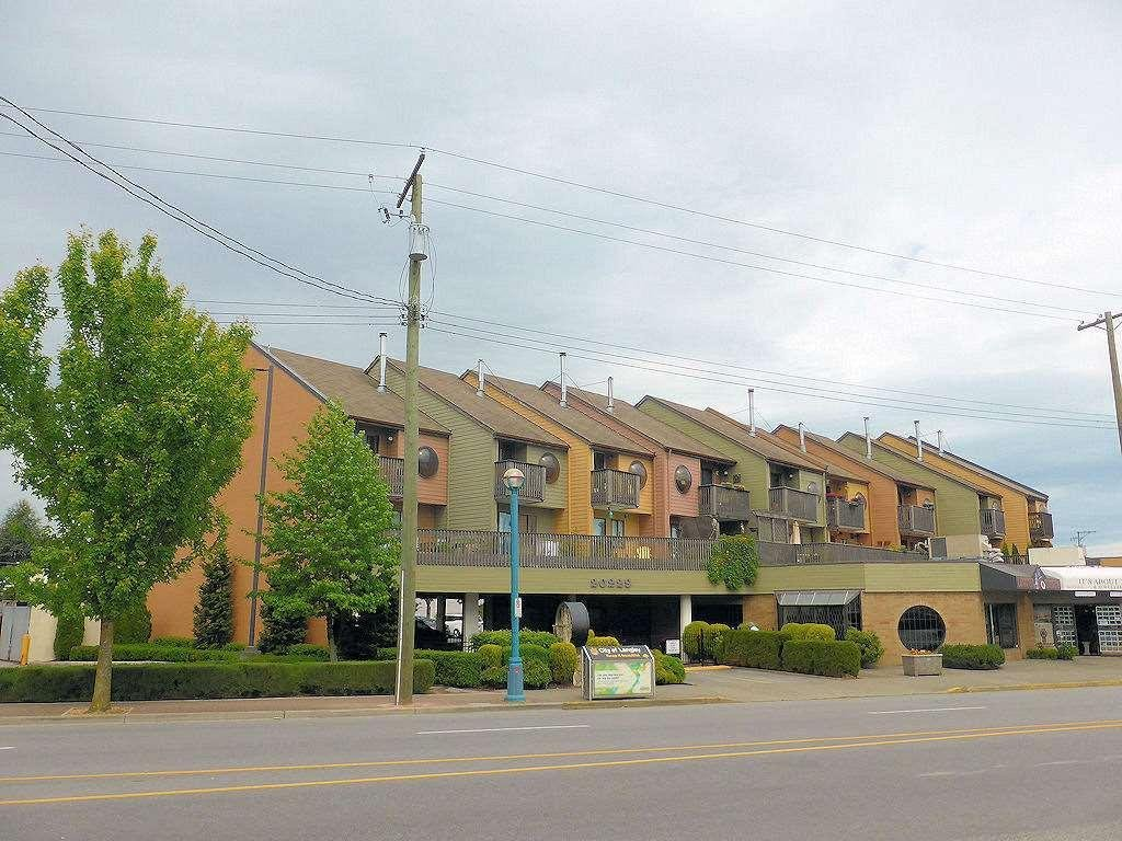 R2067376 - 10 20229 FRASER HIGHWAY, Langley City, Langley, BC - Townhouse