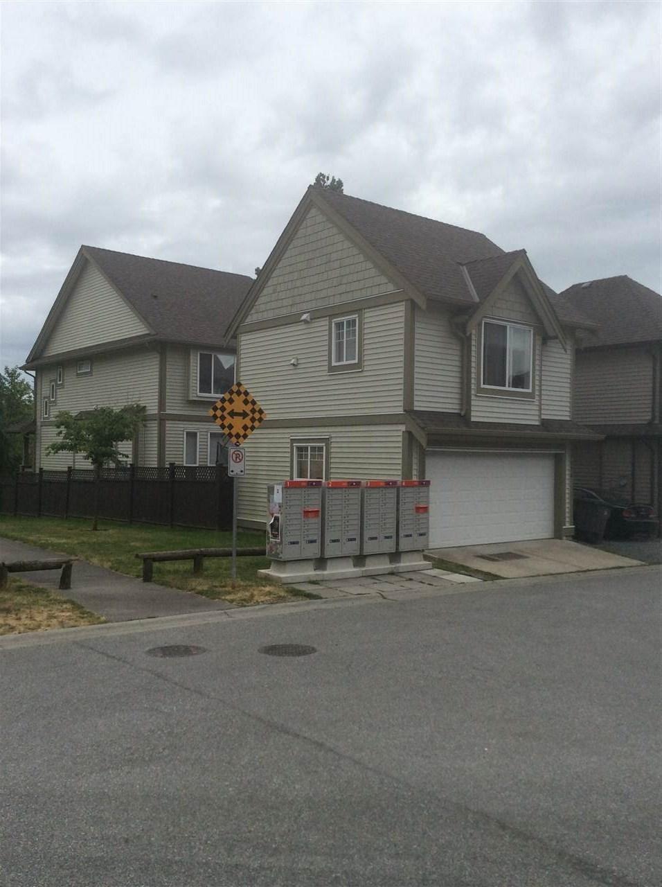 R2070581 - 6696 195 STREET, Clayton, Surrey, BC - House/Single Family