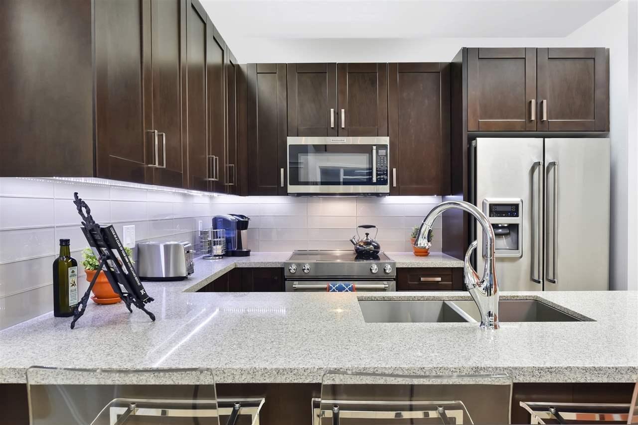 R2074212 - 910 11967 80 AVENUE, Nordel, Delta, BC - Apartment Unit
