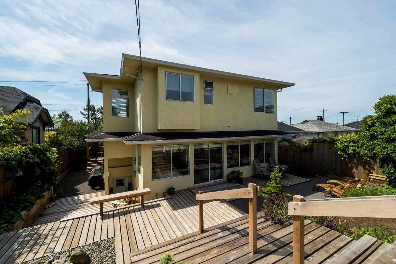 R2074908 - 718 E 4 STREET, Queensbury, North Vancouver, BC - House/Single Family