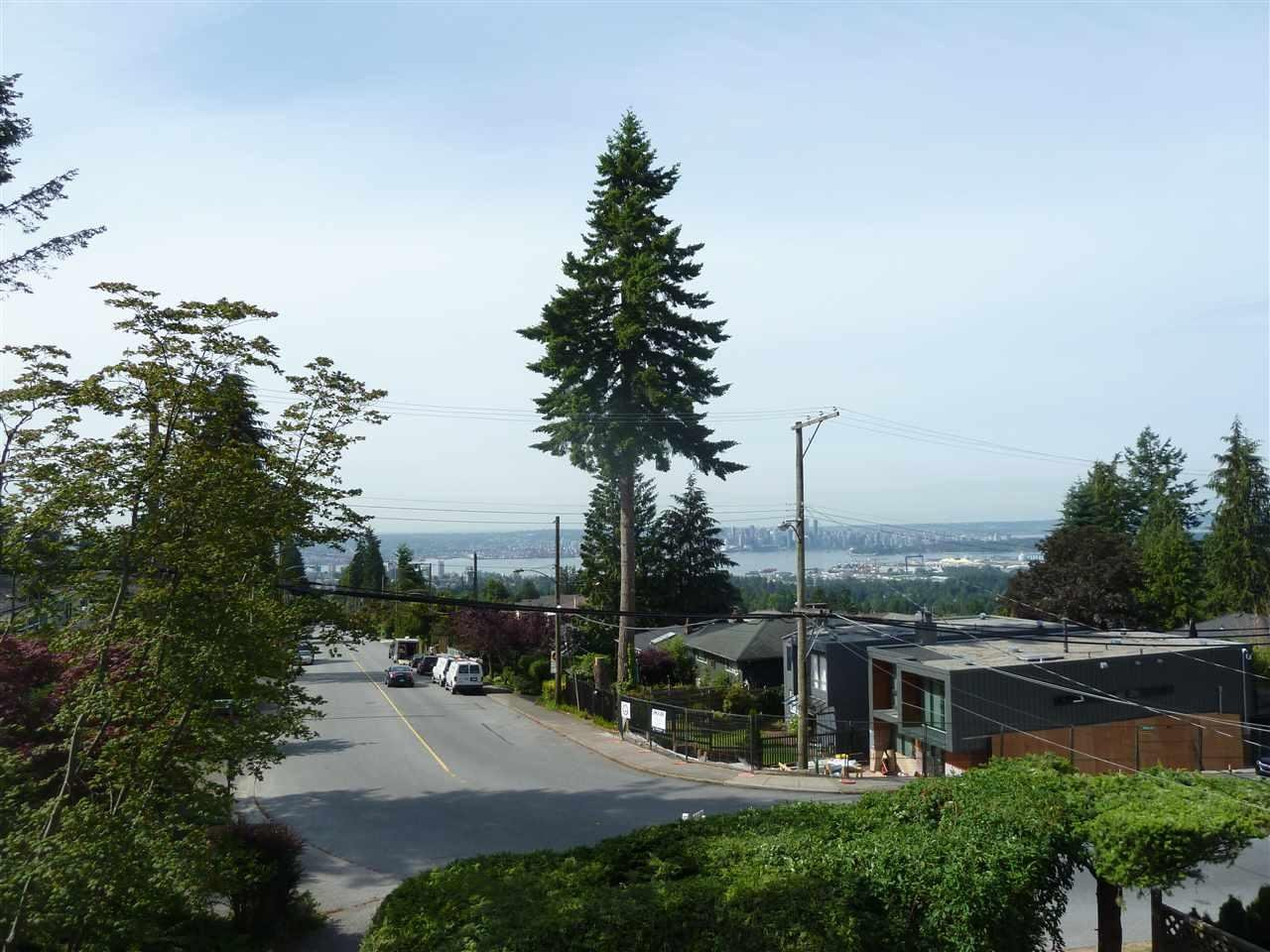 R2075120 - 110 E ROCKLAND ROAD, Upper Lonsdale, North Vancouver, BC - House/Single Family