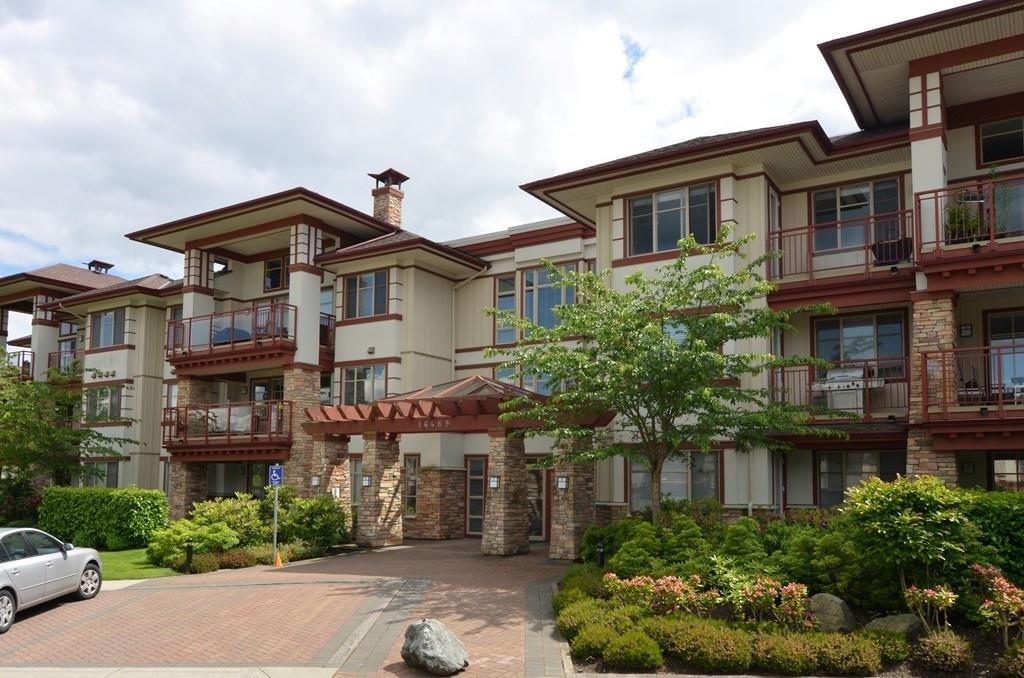 R2077550 - 104 16469 64 AVENUE, Cloverdale BC, Surrey, BC - Apartment Unit