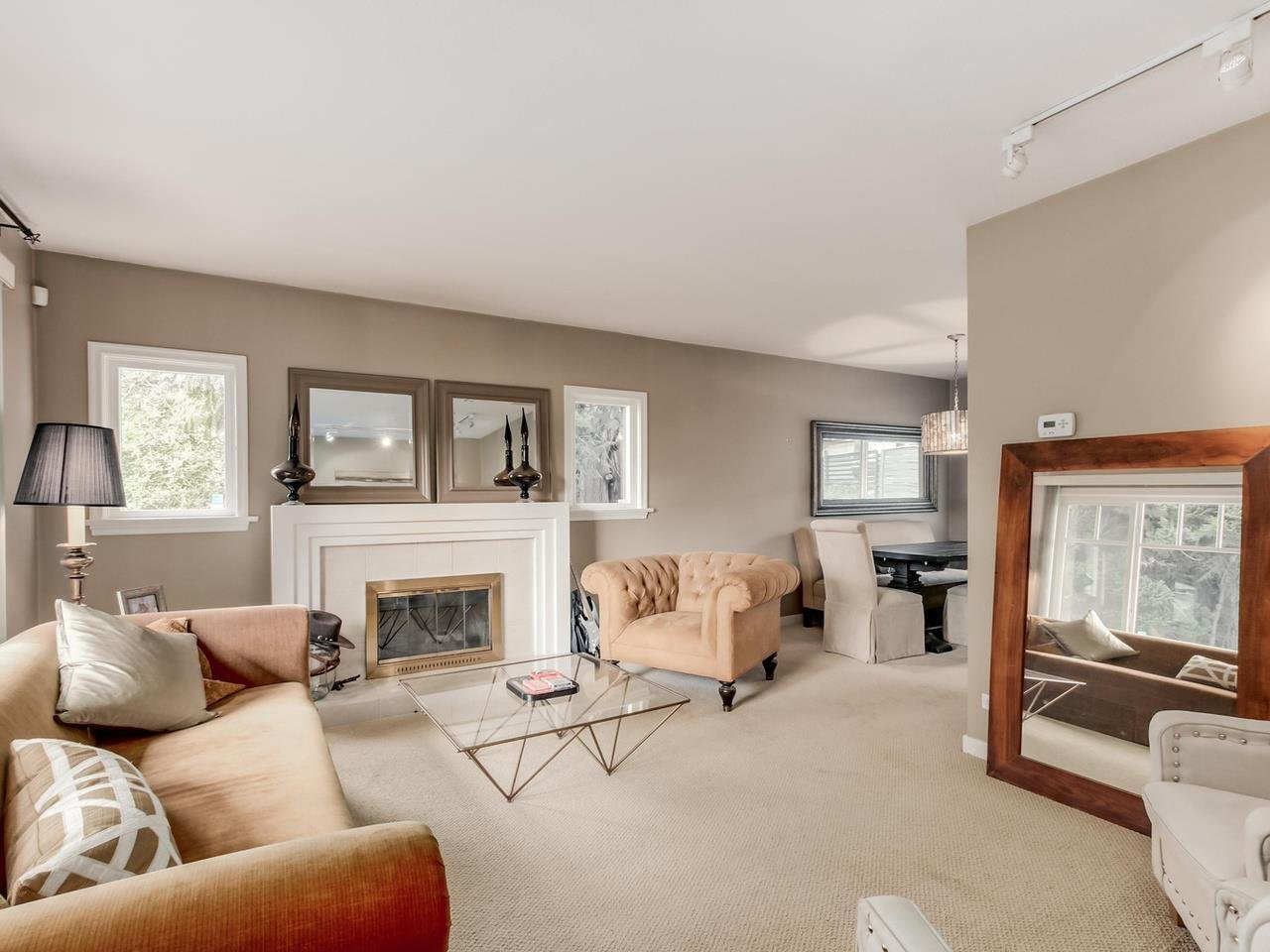 R2078859 - 300 E 25TH STREET, Upper Lonsdale, North Vancouver, BC - House/Single Family