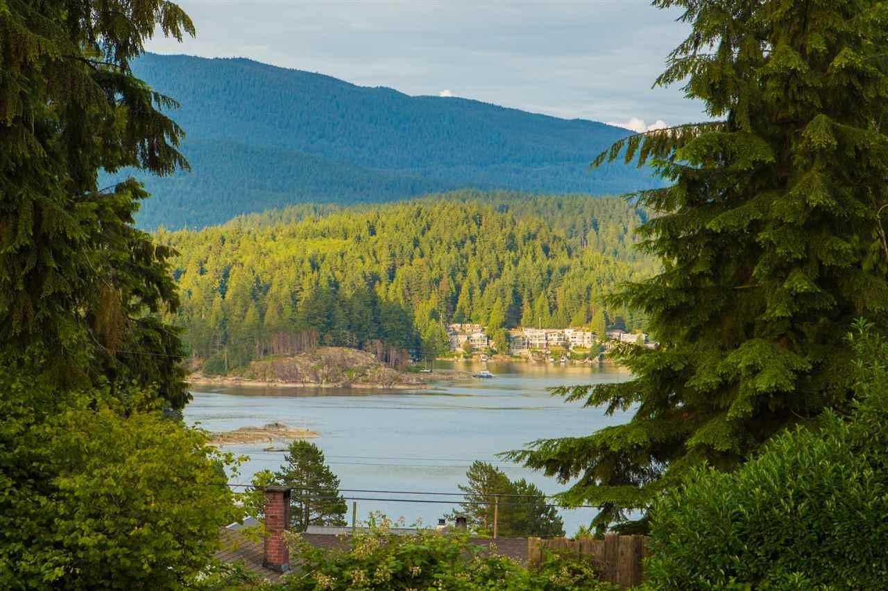 R2079051 - 919 N DOLLARTON HIGHWAY, Dollarton, North Vancouver, BC - House/Single Family