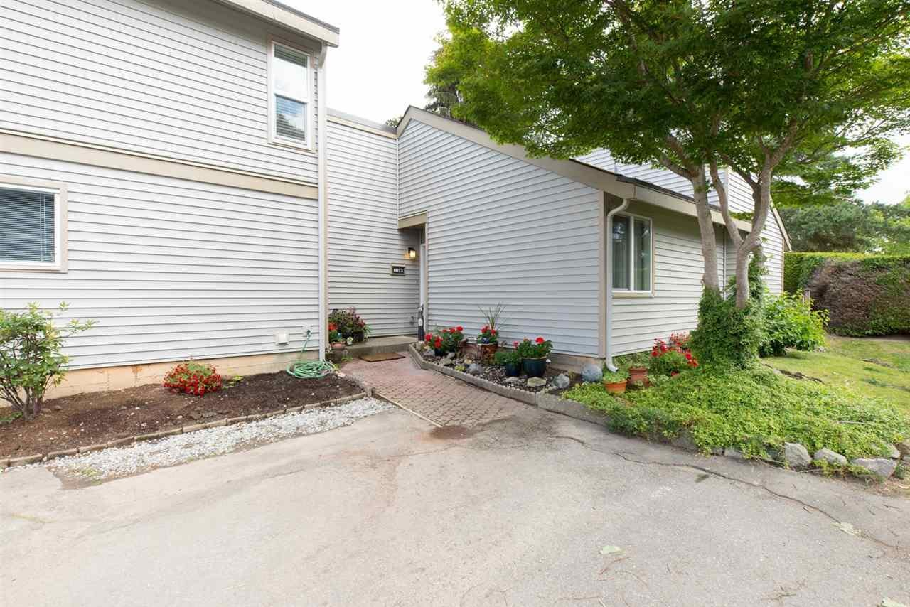 R2082603 - 6076 W GREENSIDE DRIVE, Cloverdale BC, Surrey, BC - Townhouse