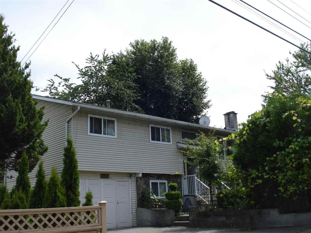 R2083702 - 10488 154 STREET, Guildford, Surrey, BC - House/Single Family
