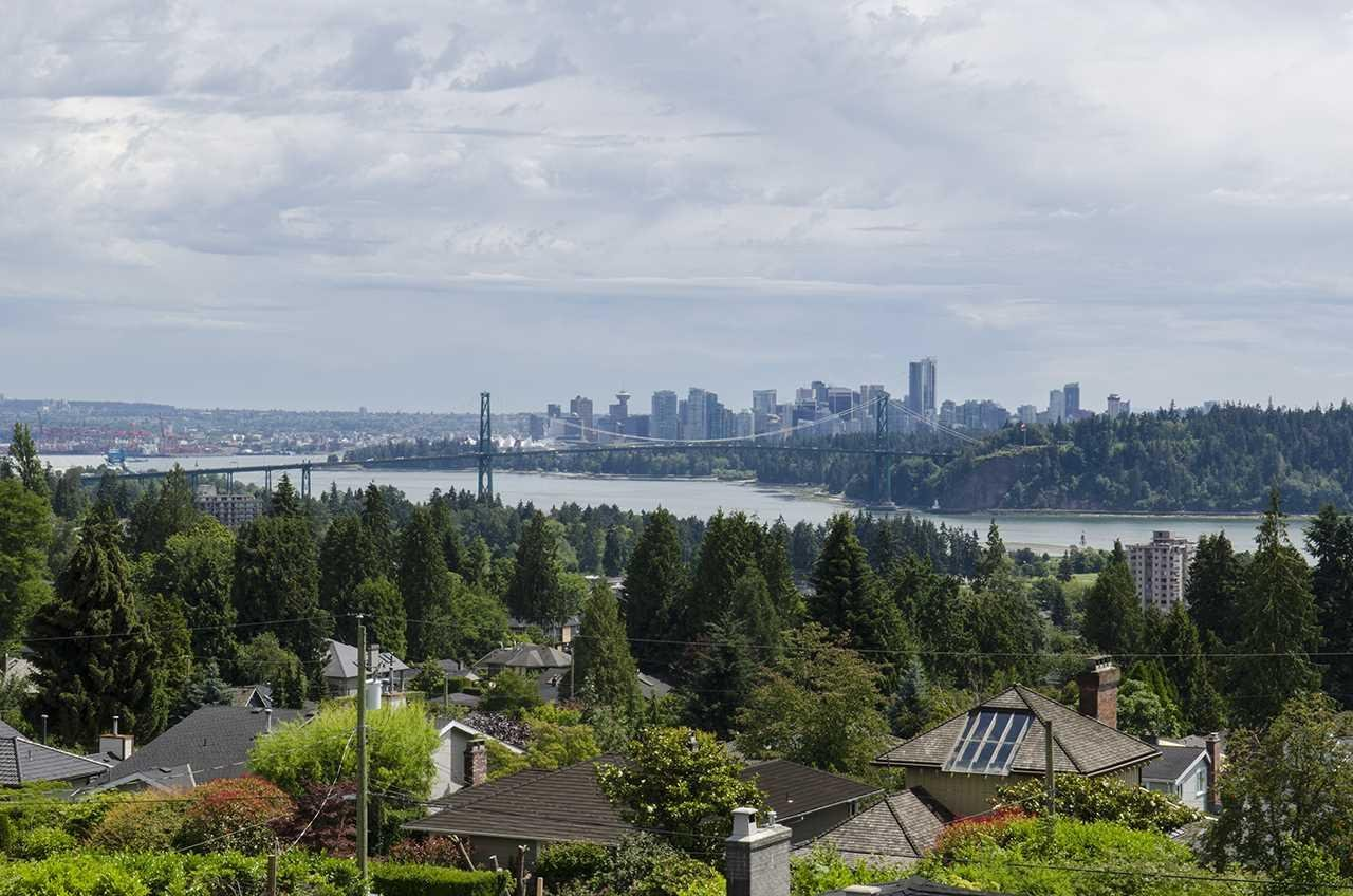 R2083809 - 1474 MATHERS AVENUE, Ambleside, West Vancouver, BC - House/Single Family