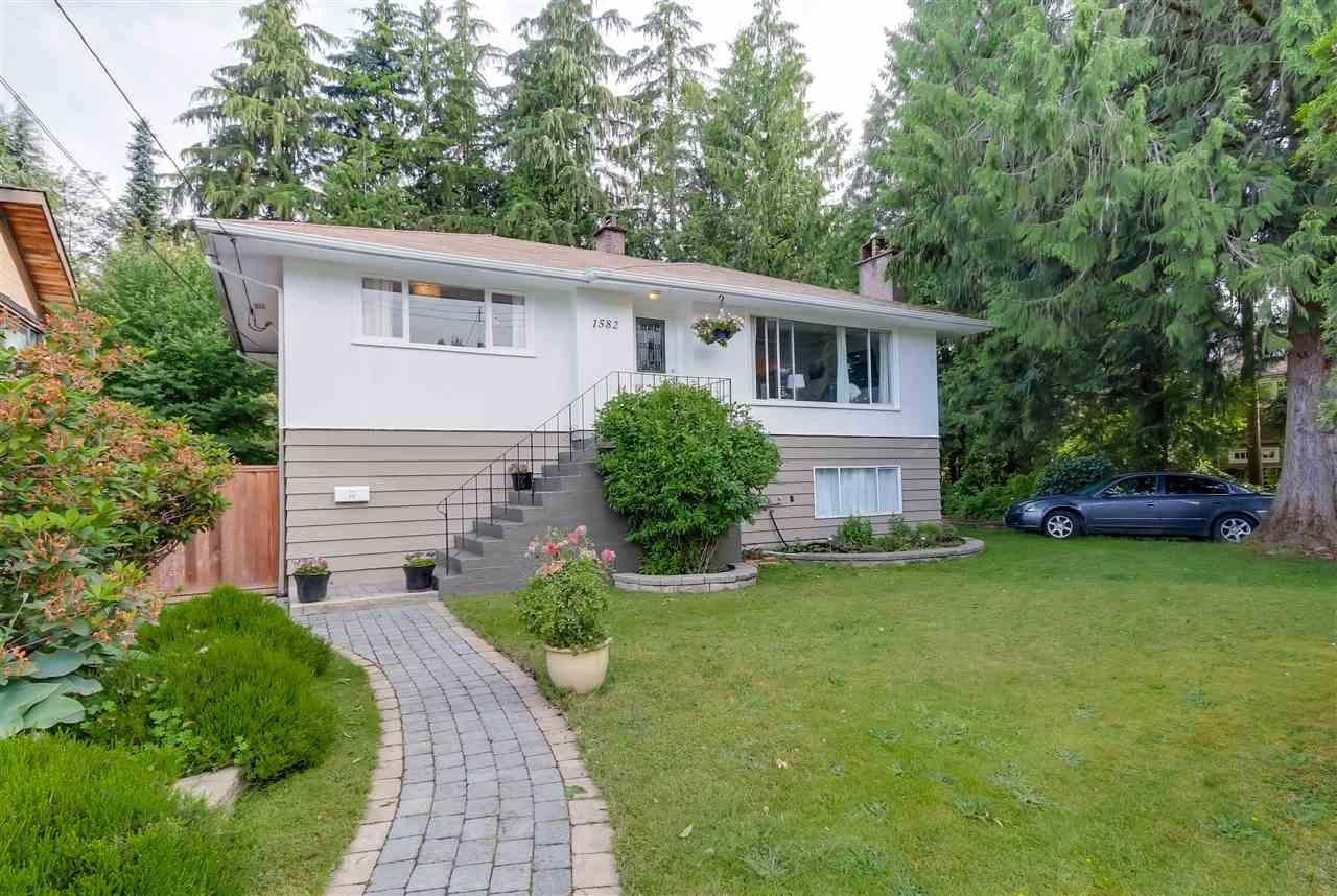 R2085109 - 1582 ROSS ROAD, Lynn Valley, North Vancouver, BC - House/Single Family
