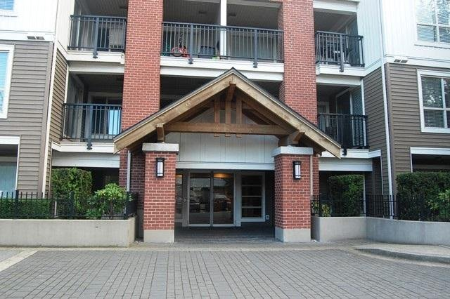 R2087483 - B411 8929 202 STREET, Walnut Grove, Langley, BC - Apartment Unit