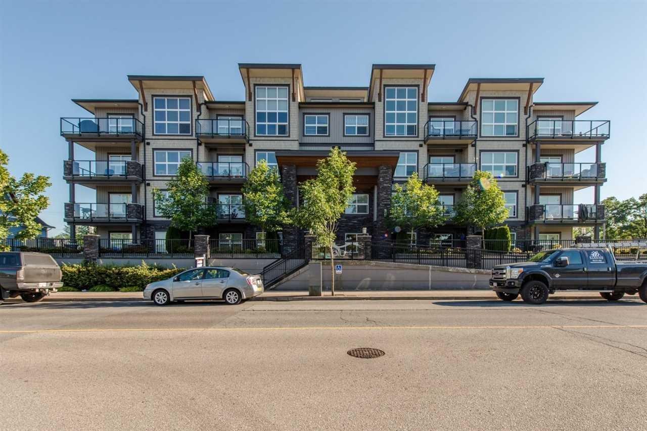 R2089681 - 204 20630 DOUGLAS CRESCENT, Langley City, Langley, BC - Apartment Unit