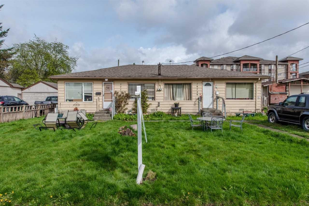 R2090916 - 19727-19729 55A AVENUE, Langley City, Langley, BC - Duplex