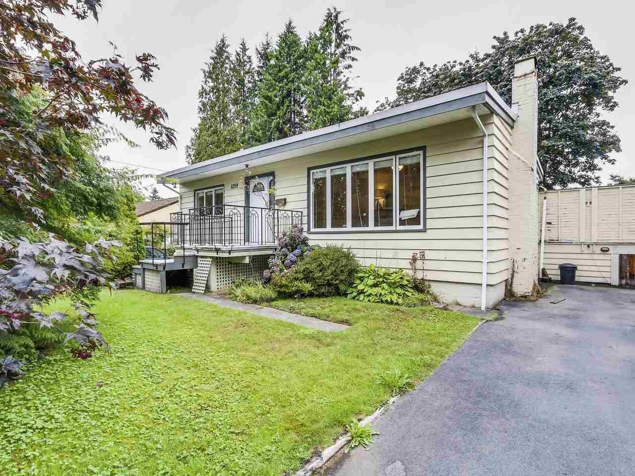 R2093216 - 1238 RIDGEWOOD DRIVE, Edgemont, North Vancouver, BC - House/Single Family