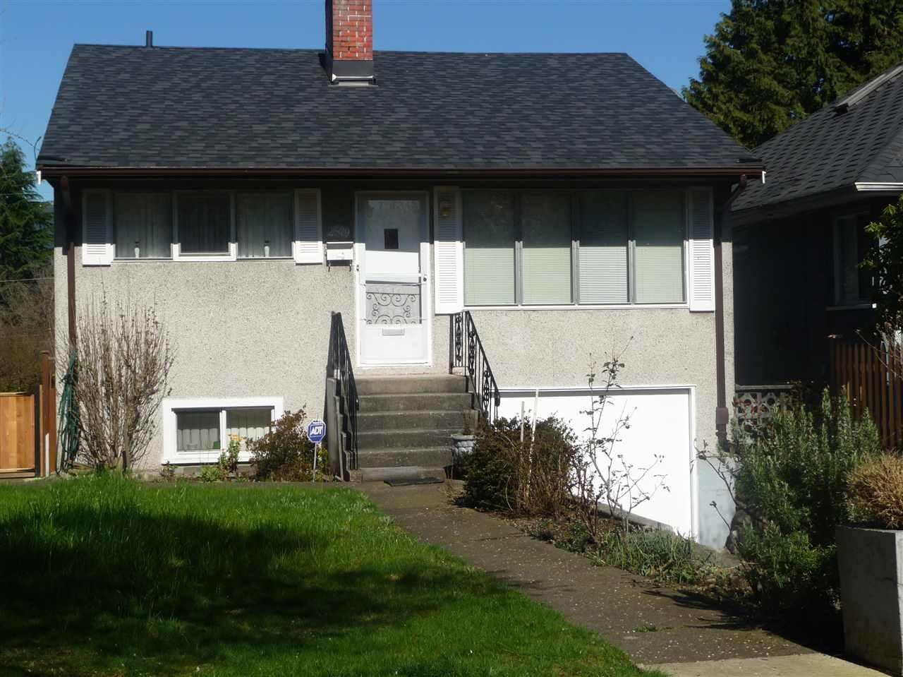 R2093299 - 2579 TRINITY STREET, Hastings East, Vancouver, BC - House/Single Family