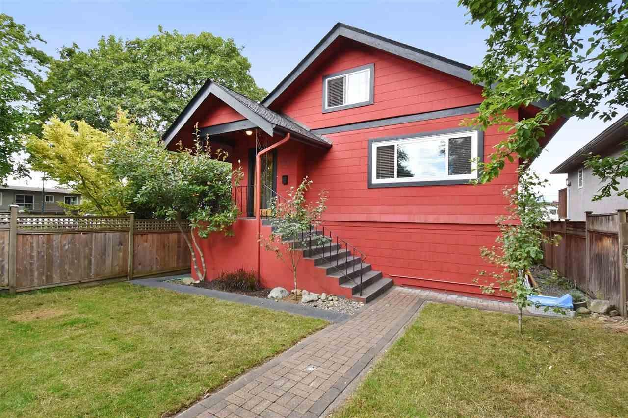 R2094549 - 2511 TRINITY STREET, Hastings East, Vancouver, BC - House/Single Family