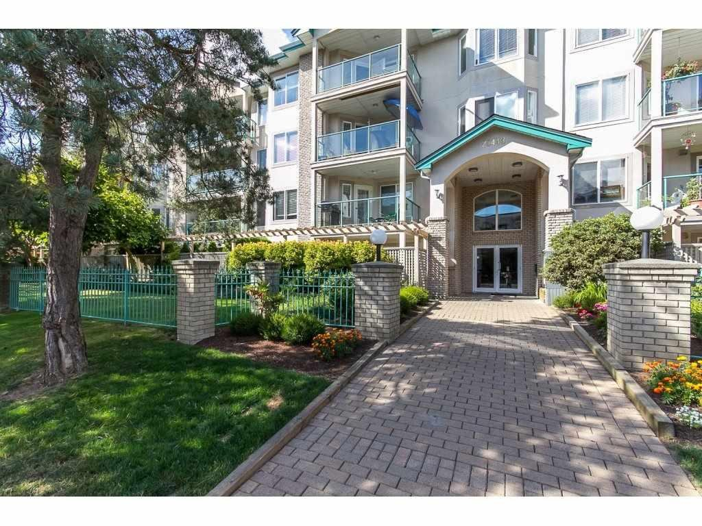 R2096910 - 211 20443 53 AVENUE, Langley City, Langley, BC - Apartment Unit