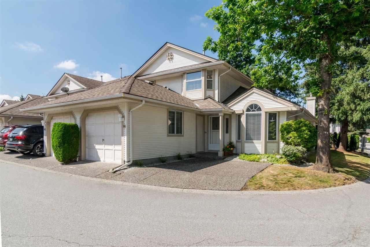 R2098972 - 104 9045 WALNUT GROVE DRIVE, Walnut Grove, Langley, BC - Townhouse