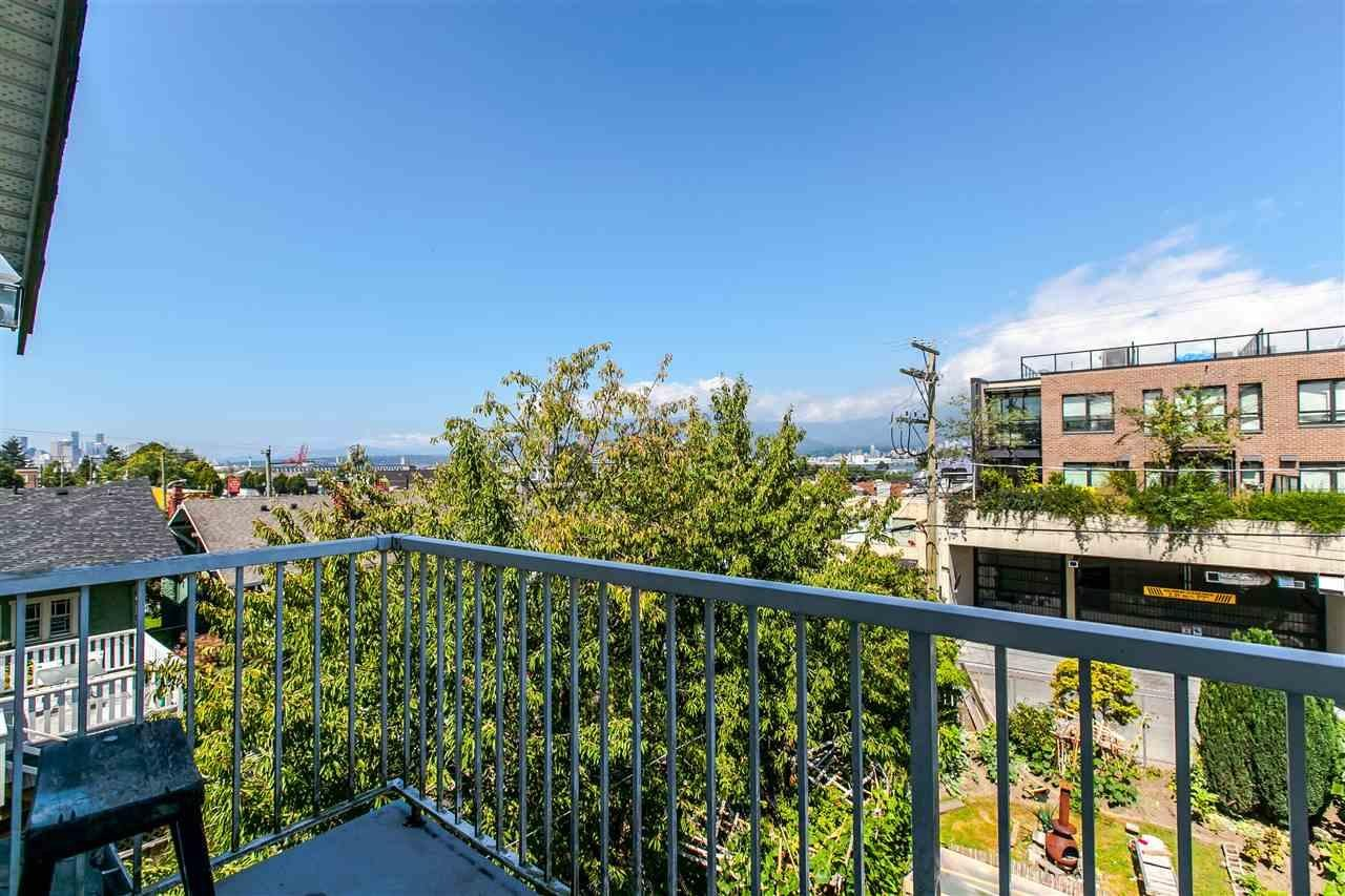 R2099423 - 2135 E PENDER STREET, Hastings, Vancouver, BC - House/Single Family