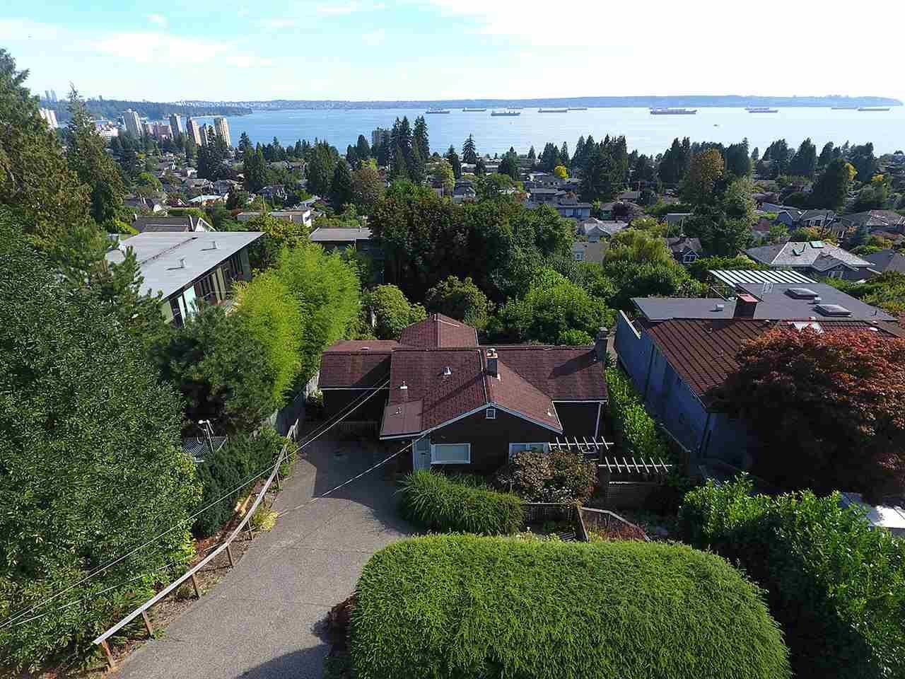 R2100529 - 2432 OTTAWA AVENUE, Dundarave, West Vancouver, BC - House/Single Family