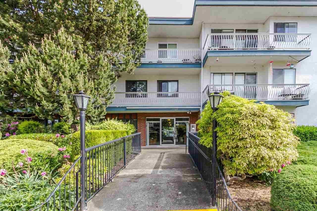 R2102728 - 215 17707 57A AVENUE, Cloverdale BC, Surrey, BC - Apartment Unit