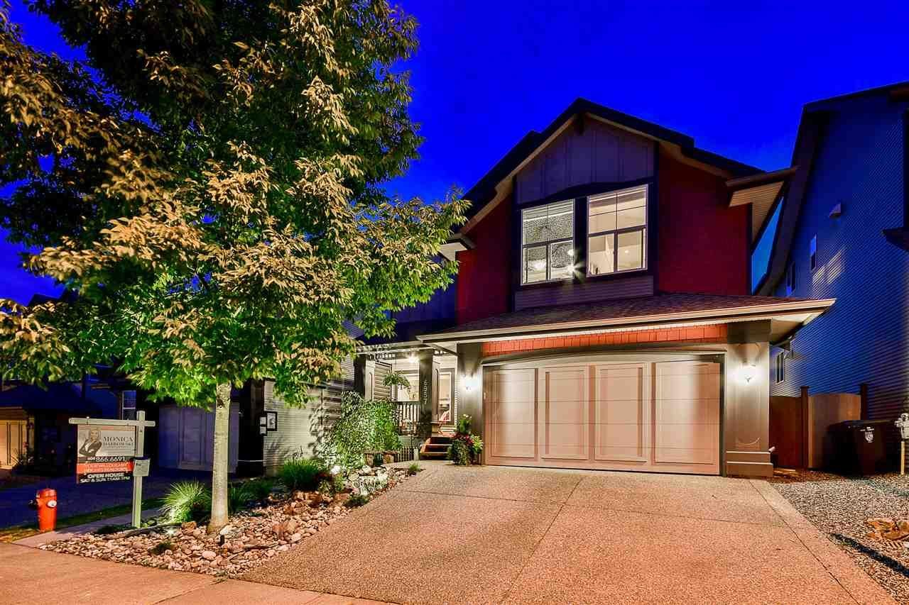 R2105446 - 6957 198 STREET, Willoughby Heights, Langley, BC - House/Single Family