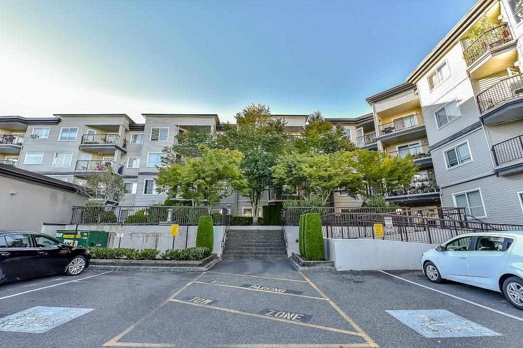 R2108499 - 112 5765 GLOVER ROAD, Langley City, Langley, BC - Apartment Unit