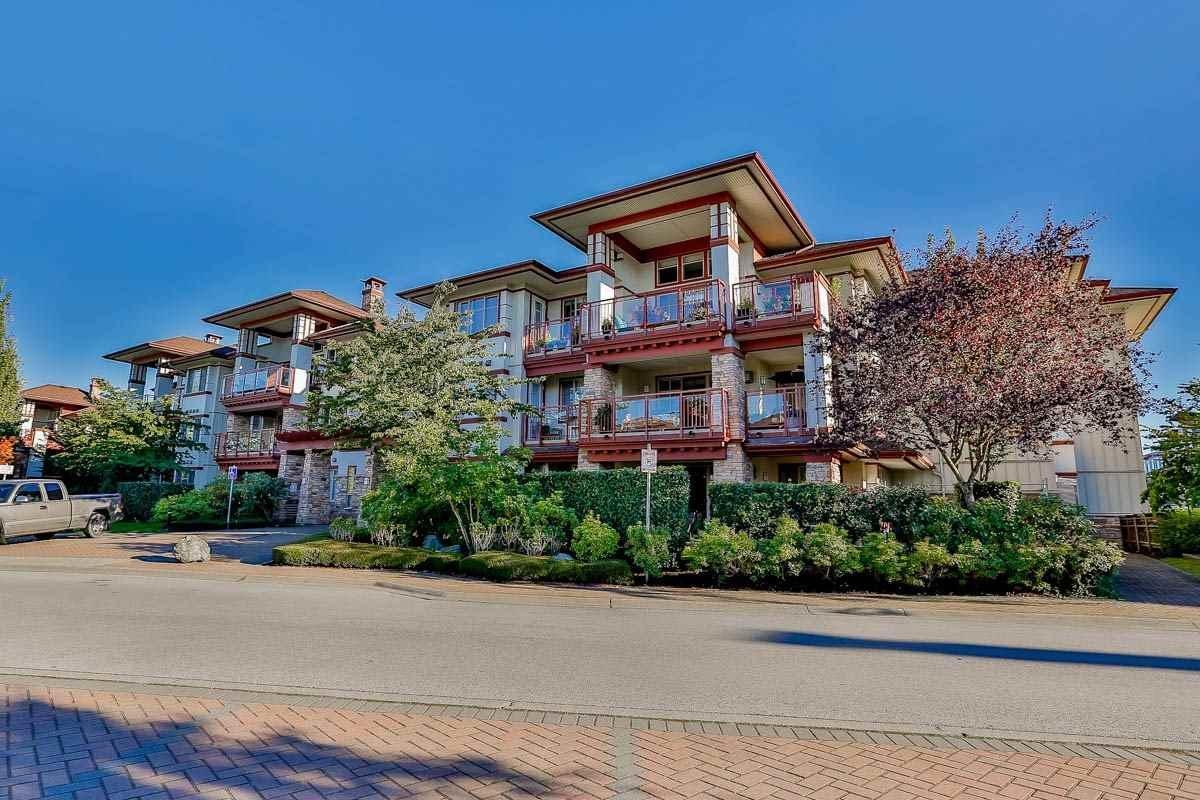 R2108545 - 305 16469 64 AVENUE, Cloverdale BC, Surrey, BC - Apartment Unit