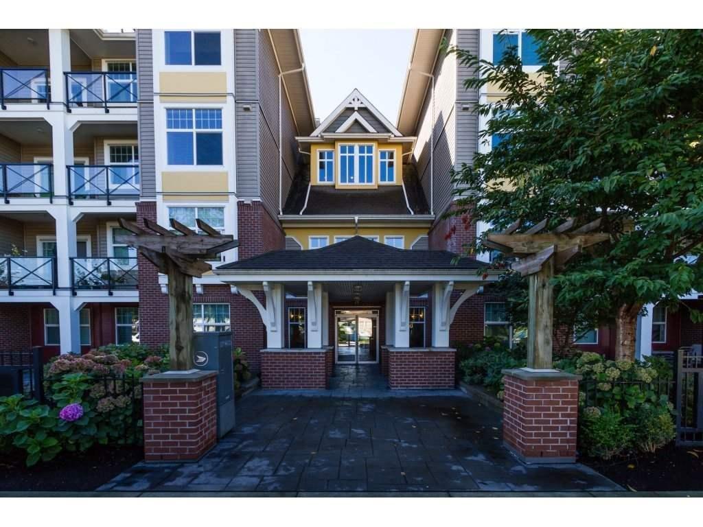 R2110039 - 204 17712 57A AVENUE, Cloverdale BC, Surrey, BC - Apartment Unit
