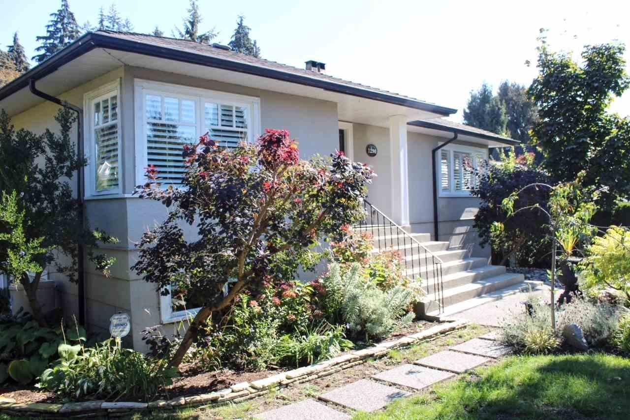 R2112370 - 1290 14TH STREET, Ambleside, West Vancouver, BC - House/Single Family