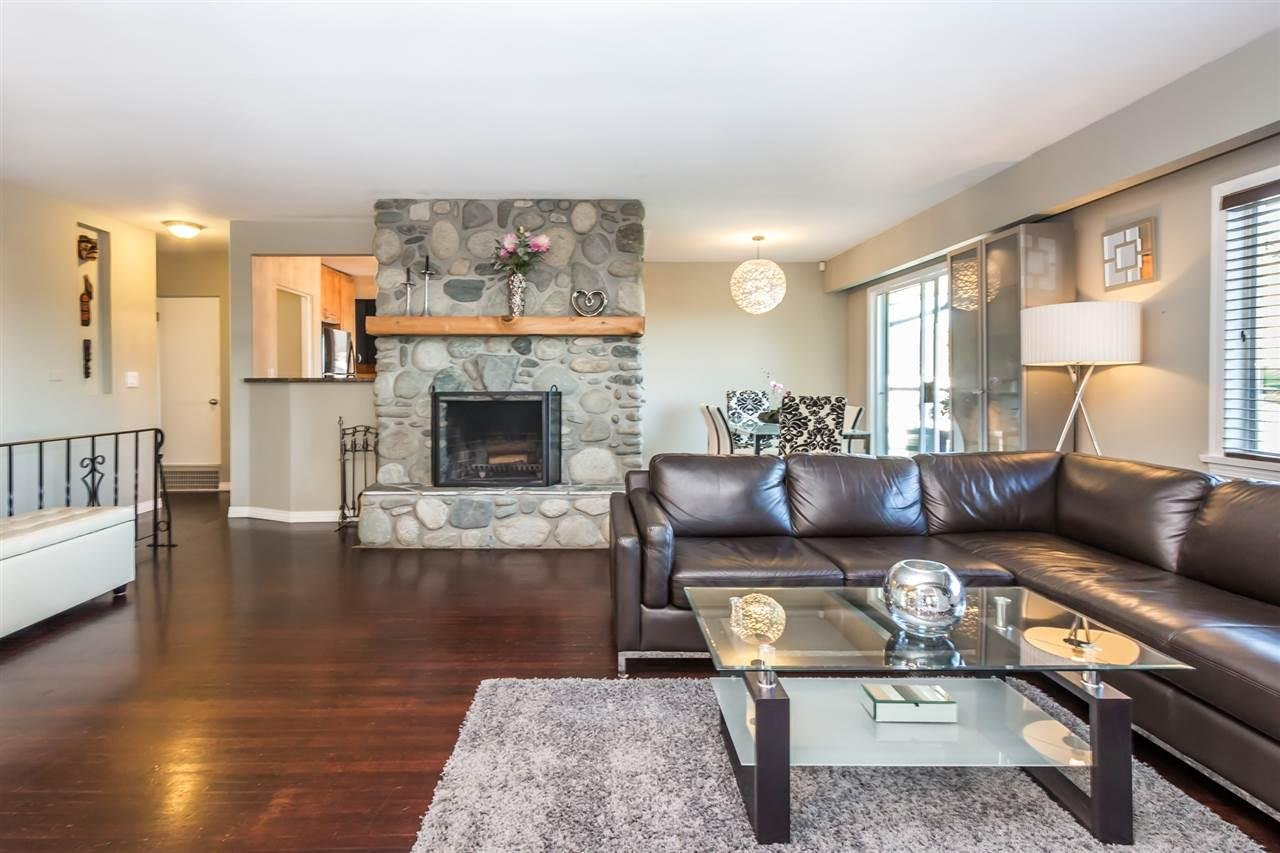 R2115923 - 1103 CLOVERLEY STREET, Calverhall, North Vancouver, BC - House/Single Family