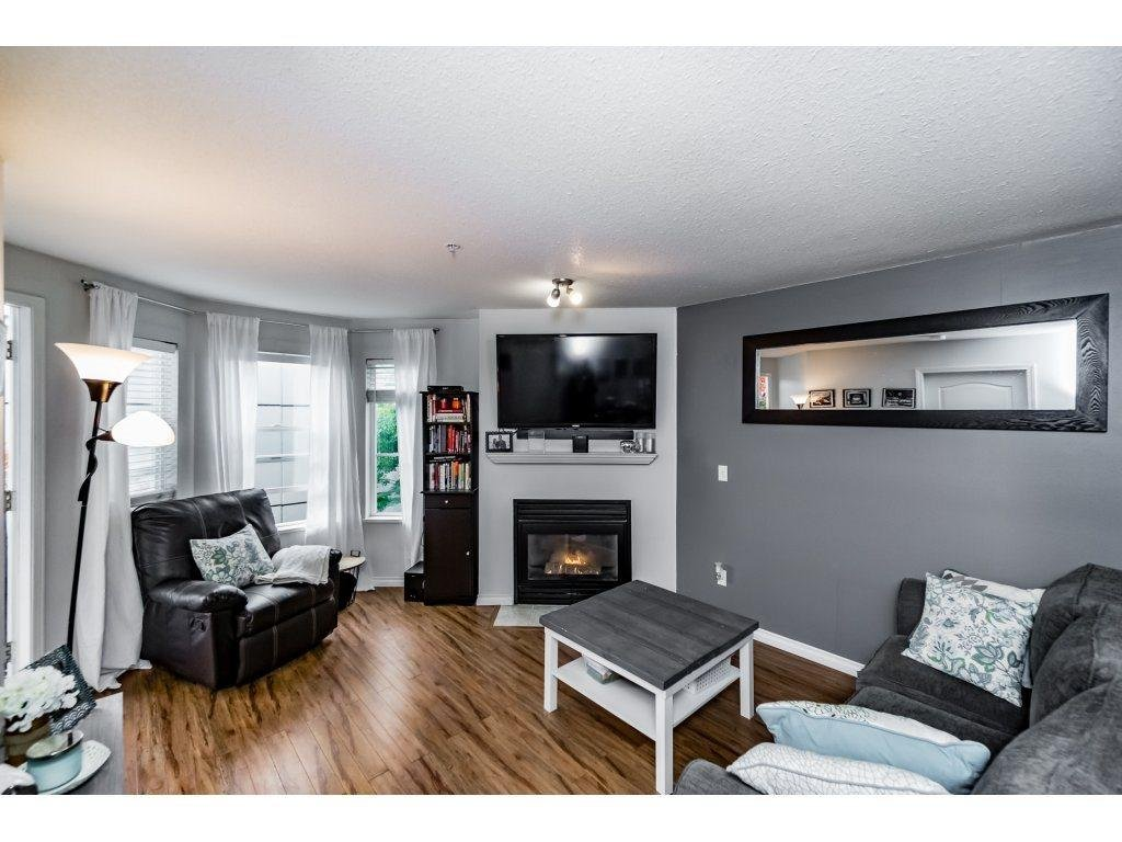 R2116896 - 212 5765 GLOVER ROAD, Langley City, Langley, BC - Apartment Unit
