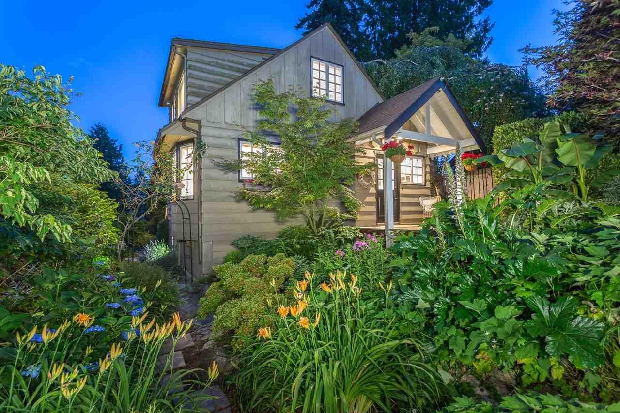 R2117679 - 3288 TRAVERS AVENUE, West Bay, West Vancouver, BC - House/Single Family