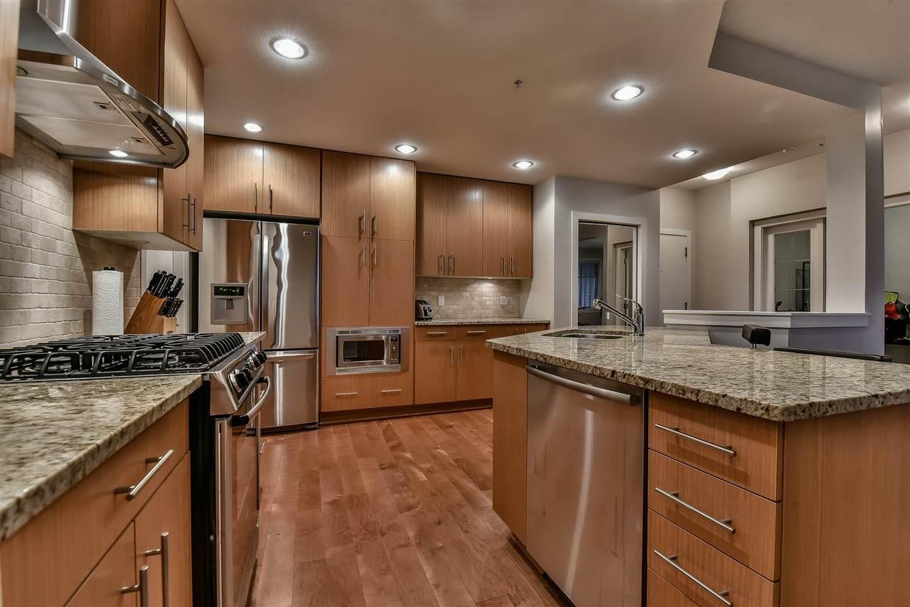 R2123051 - 207 16477 64 AVENUE, Cloverdale BC, Surrey, BC - Apartment Unit