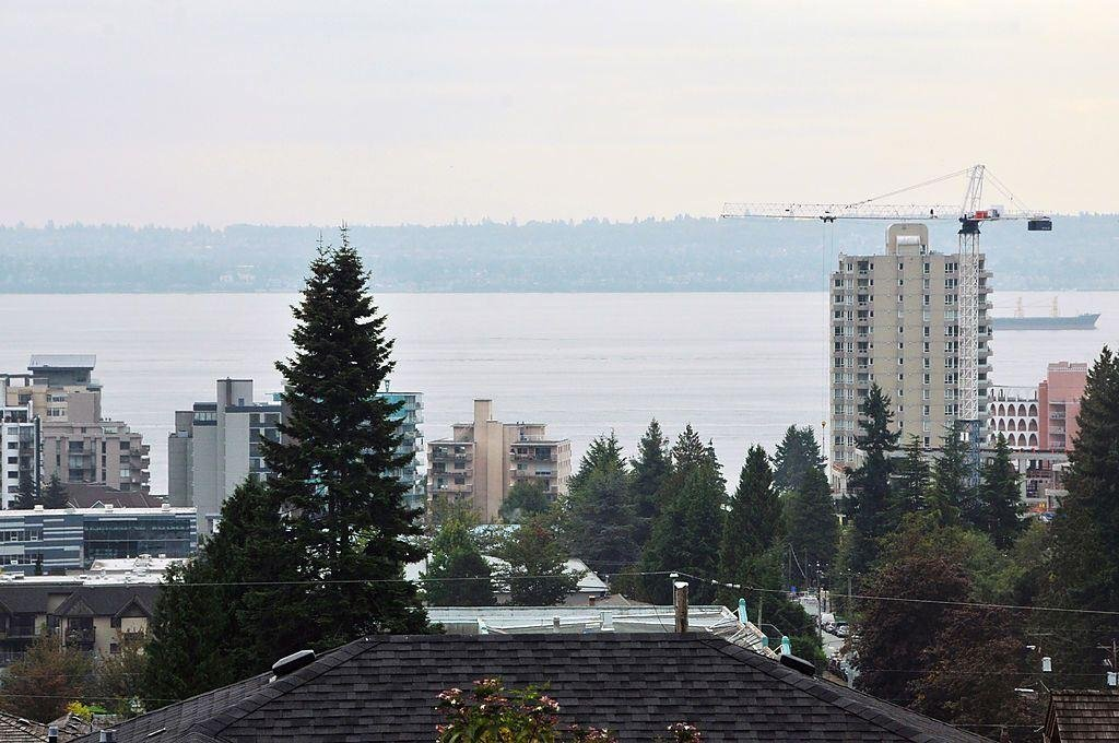 R2125476 - 2175 MATHERS AVENUE, Dundarave, West Vancouver, BC - House/Single Family