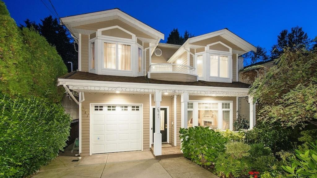 R2125581 - 677 W QUEENS ROAD, Delbrook, North Vancouver, BC - House/Single Family