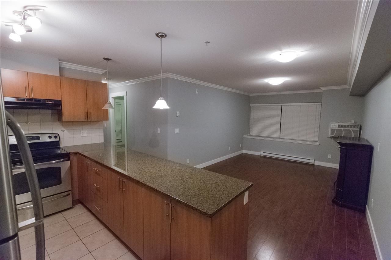R2130819 - 203 17769 57 AVENUE, Cloverdale BC, Surrey, BC - Apartment Unit