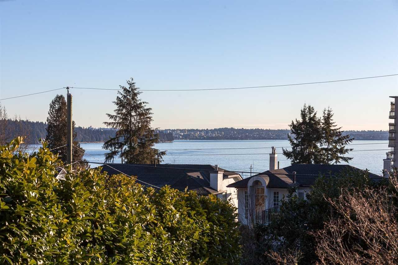 R2131421 - 2397 HAYWOOD AVENUE, Dundarave, West Vancouver, BC - House/Single Family