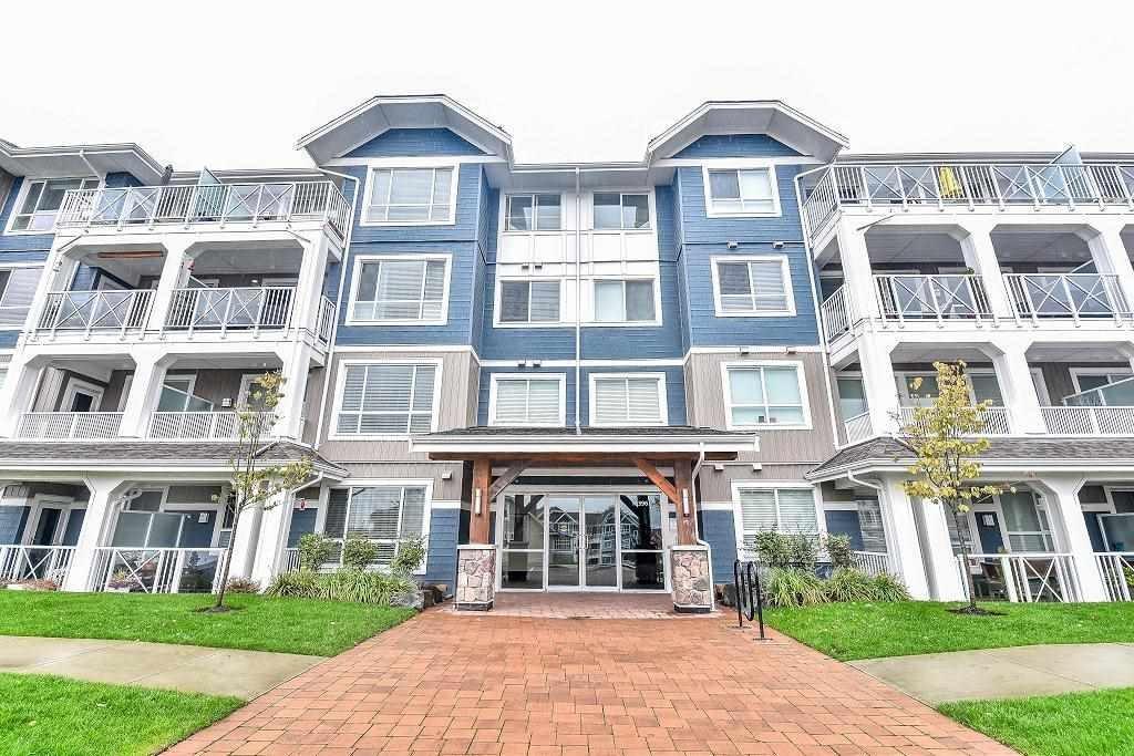 R2132431 - 201 16396 64 AVENUE, Cloverdale BC, Surrey, BC - Apartment Unit