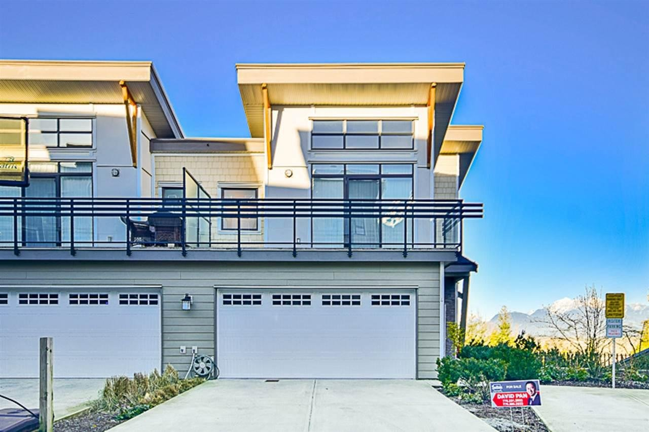 R2135600 - 4 9989 E BARNSTON DRIVE, Fraser Heights, Surrey, BC - Townhouse