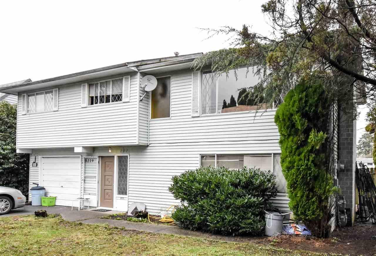 R2137790 - 20217-20219 53 AVENUE, Langley City, Langley, BC - Duplex