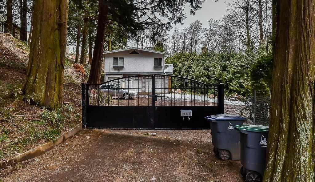 R2139919 - 18676 32 AVENUE, Hazelmere, Surrey, BC - House with Acreage